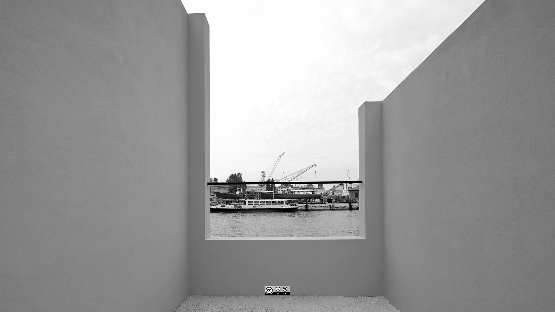 Eduardo Souto de Moura's Windows